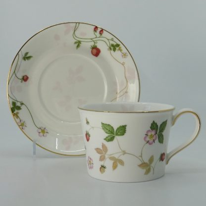 Wedgwood Wild Strawberry Koffiekop met Schotel