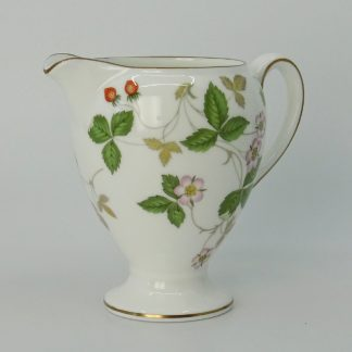 Wedgwood Wild Strawberry Melkkan Globe