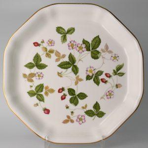 Wedgwood Wild Strawberry Serveerschaal 24.5 cm