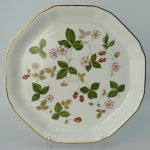Wedgwood Wild Strawberry Serveerschaal 24,5 cm