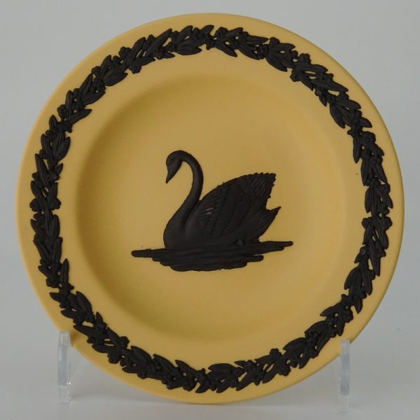 Wedgwood Jasperware Black on Cane Miniatuurbord Zwarte Zwaan