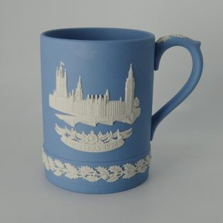 Wedgwood Jasperware Kerstbeker The Houses of Parliament 1974