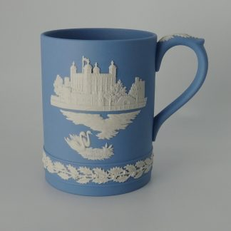 Wedgwood Jasperware Kerstbeker Tower of London 1973